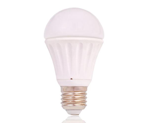 Platinium LED žárovka E27, 7W, teplá bílá